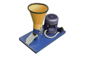 Пресс гранулятор комбикорма бытовой