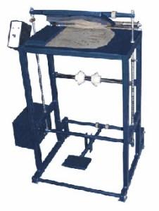 Установка для изготовления изделий из полимерных пленокпри помощи криволинейных швов