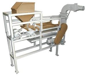 Машина для снятия пленки с ядра кедрового ореха